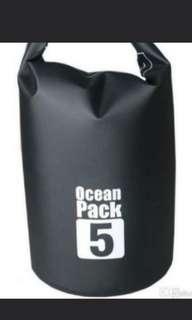 Ocean Pack 5L Black W Shoulder Strap