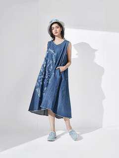 initial Ladies printed denim dress