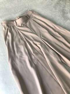 Uniqlo • Nude culottes