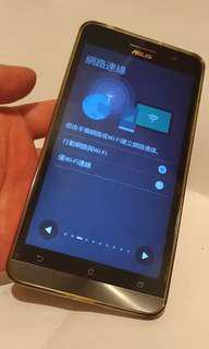 ASUS  6吋手機