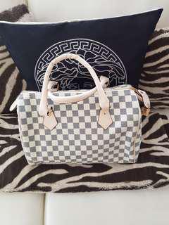 Loui Vuitton  Speedy bag  new with Lock