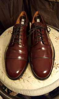 Cole Haan leather dress shoe. Burgundy colour. Size 10 D