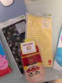 💙Uniqlo pants size 100cm, Anpanman socks  麵包超人襪