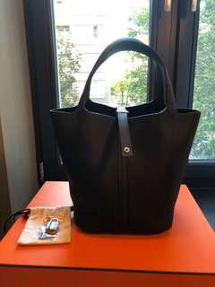 Brand New Full Set Hermes Picotin 22 Noir