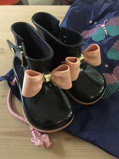 Mini Melissa boots size 8