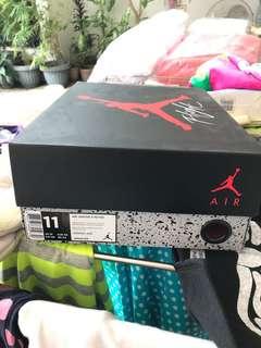 Nike Air Jordan Retro 4