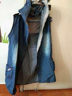 Jaket hoody tangan buntung bahan denim