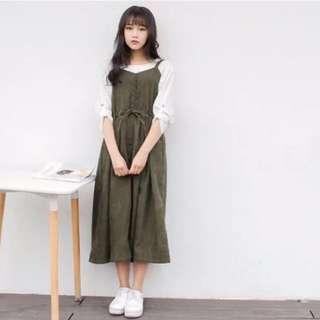 軍綠吊帶連身長裙
