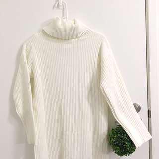 Long White turtle neck knit dress size S