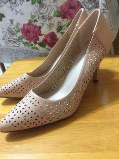 Vincci nude high heels