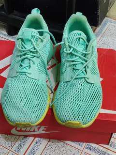 Nike Roshe Run Hyp Green