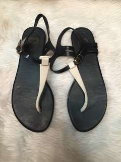 Authentic mel by melissa size 6