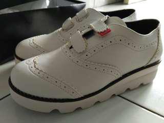 Sepatu Original LEE model wingtip velcoSneakers