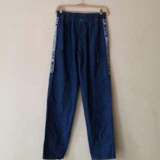 Celana Baggy Jeans w/ Stripe