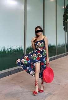 Floral dress w/ slit garterized back