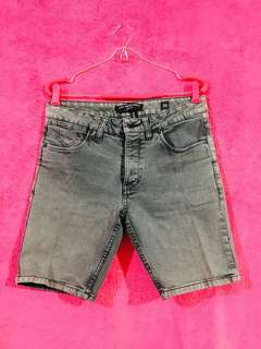 Low Rider Short Acid Washed Denim Tokong Slim Fit