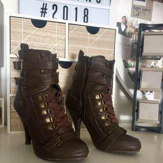 Brown ankle boots Lara Croft look alike style