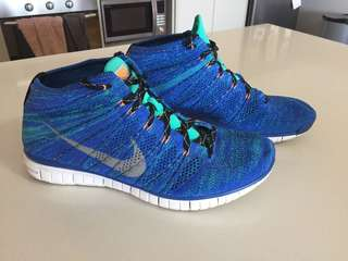 MeNs Nike flyknit Chukka Sneakers trainers