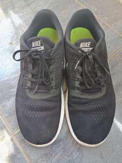 Steal Deal! Nike FreeRN 100% original!