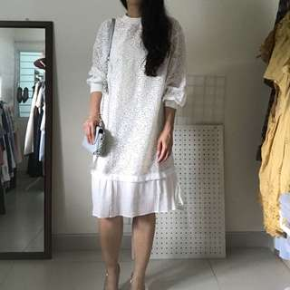 Korean White Lace Dress with Pleats Fishtail