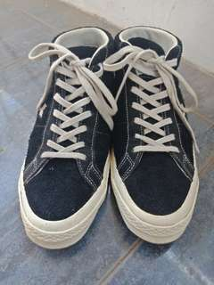 Steal deal! Converse One Star 74' Suede Mid Black