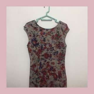 Dress Vintage Motif Bunga