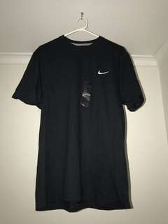 Nike active black top