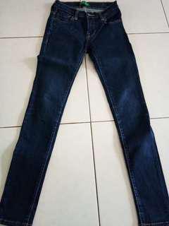 Celana jeans biru tua size 27