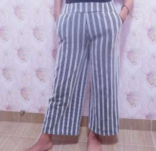 Celana kulot pendek garis / long culottes pants stripes black and white zara mango bershka top shop cotton on
