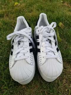 Adidas originals superstar platform
