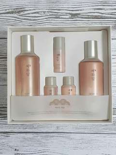 The Face Shop Yehwadam Special Gift Set