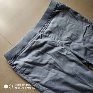 淺灰色長褲. #GOGOVAN50