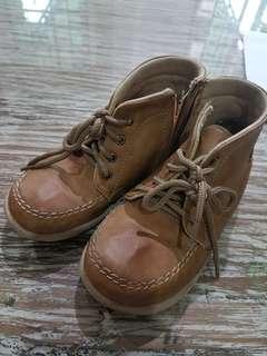 Sepatu boots Lily & Clark