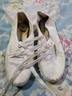 Atmosphere White lace shoes