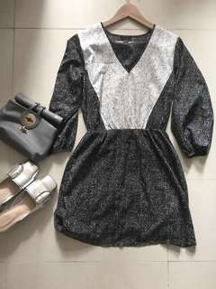 🈹Black white dotted dress one piece 黑白波點中袖連身裙