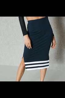 🚚 全新Adidas Originals 性感貼身中長裙