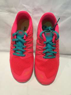 Nike sports shoes in hot pink size 6.5