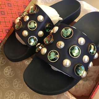 Tory Burch 藍色假珍珠寶石裝飾拖鞋 Crystal and faux pearl embellished slippers