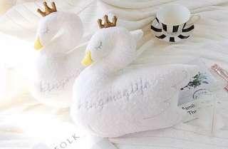 靚靚天鵝車枕連安全帶套一對