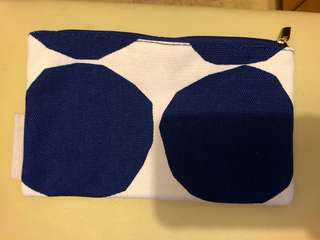 Marimekko for Finnair ( amenity bag )
