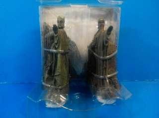 "The Lord Of The Rings 魔戒 The Fellowship Of The Ring ""Sculpture"" DVD gift set 只得2個石匠 其他都没有的 石匠高6""英吋(15cm)"