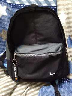 Nike 後背包  小型 黑色後背包 JUST DO IT