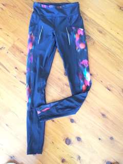 Size 8 Patterned gym tights leggings