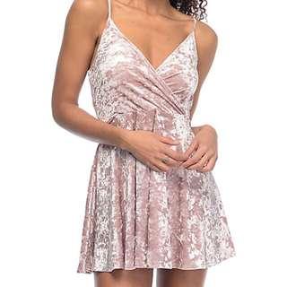 BNWT LOVE FIRE mauve pink crushed velvet wrap dress small