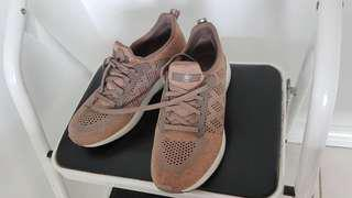 *PRICE DROP* Sketchers Running Shoes | Size 8.5