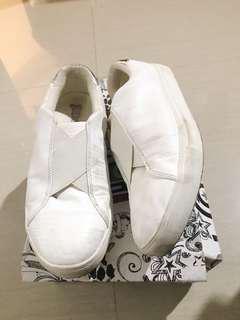 Brash shoes payless white / sepatu slip on putih h&m topshop adidas nike converse