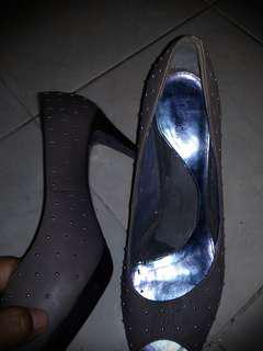 Sepatu pedro ori