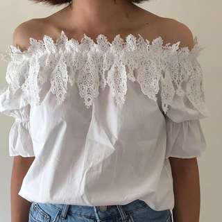 White top with lace 🌟🌟