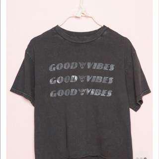 Brandy Melville good vibes Tshirt