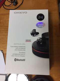 放 Onkyo W800BT(不是Sony,B&O,Bose)